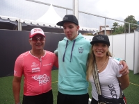 Alvaro Hodeg y sus padres