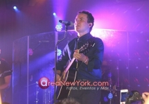 Fonseca en Latin Grammy Acoustic Sessions en Nueva York