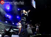 Ozuna en Prudential Center
