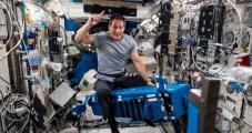 Nota en la siguiente dirección: https://areamedellin.com/news/general-news/18811-thomas-pesquet-el-astronauta-que-llevo-la-cumbia-colombiana-hasta-el-espacio